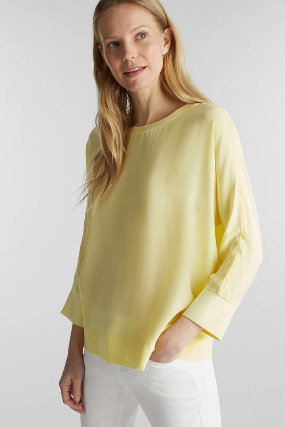 Batwing top made of LENZING™ ECOVERO™, LIME YELLOW, detail image number 6