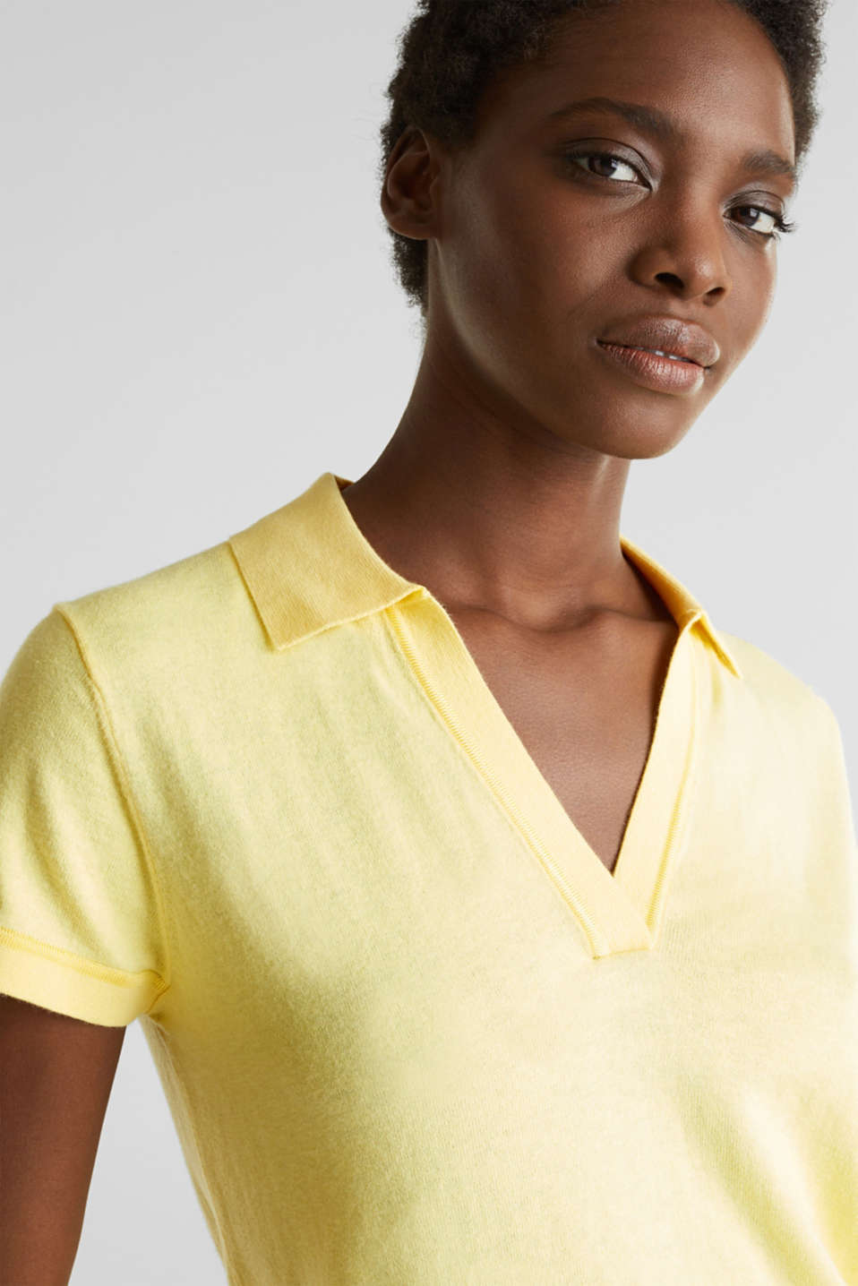 With silk: polo-style short-sleeved jumper, LIME YELLOW, detail image number 2