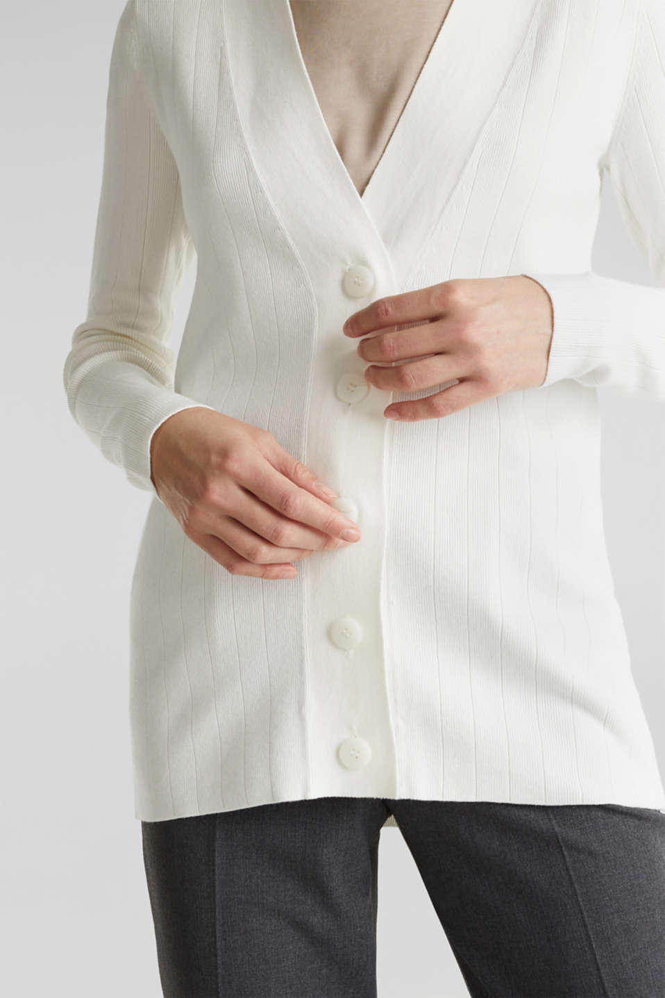 Cardigan containing LENZING™ ECOVERO™, OFF WHITE, detail image number 2