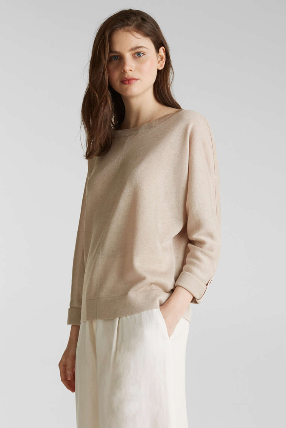 Jumper with batwing sleeves made of crêpe yarn, LIGHT BEIGE, detail image number 5
