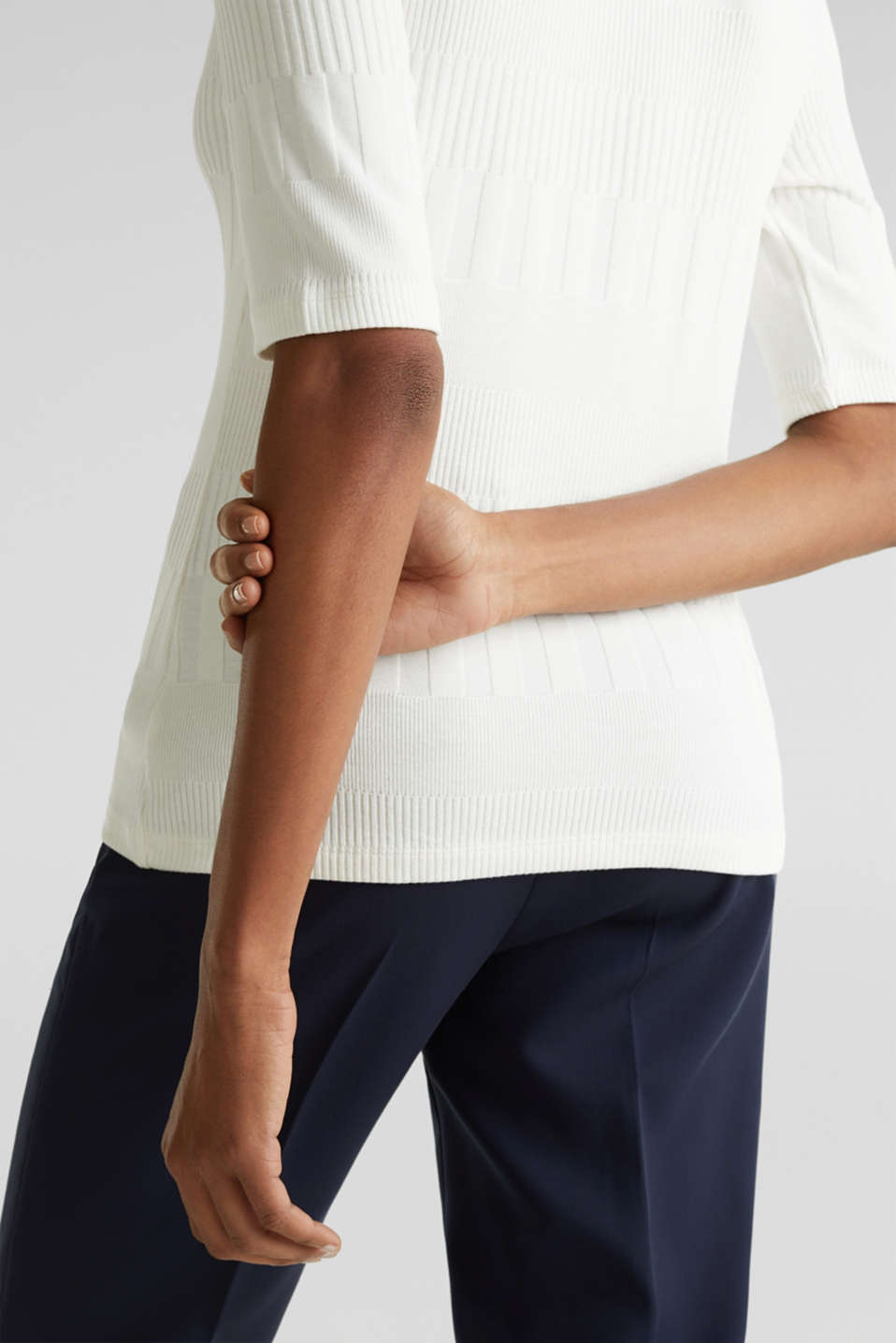 Stretch top with band collar and texture, OFF WHITE, detail image number 4