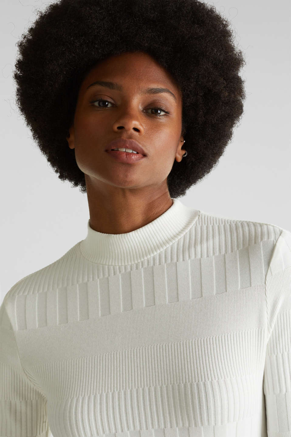 Stretch top with band collar and texture, OFF WHITE, detail image number 6
