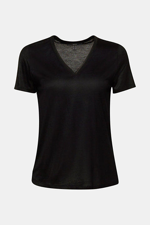 V-neck top with chiffon trims