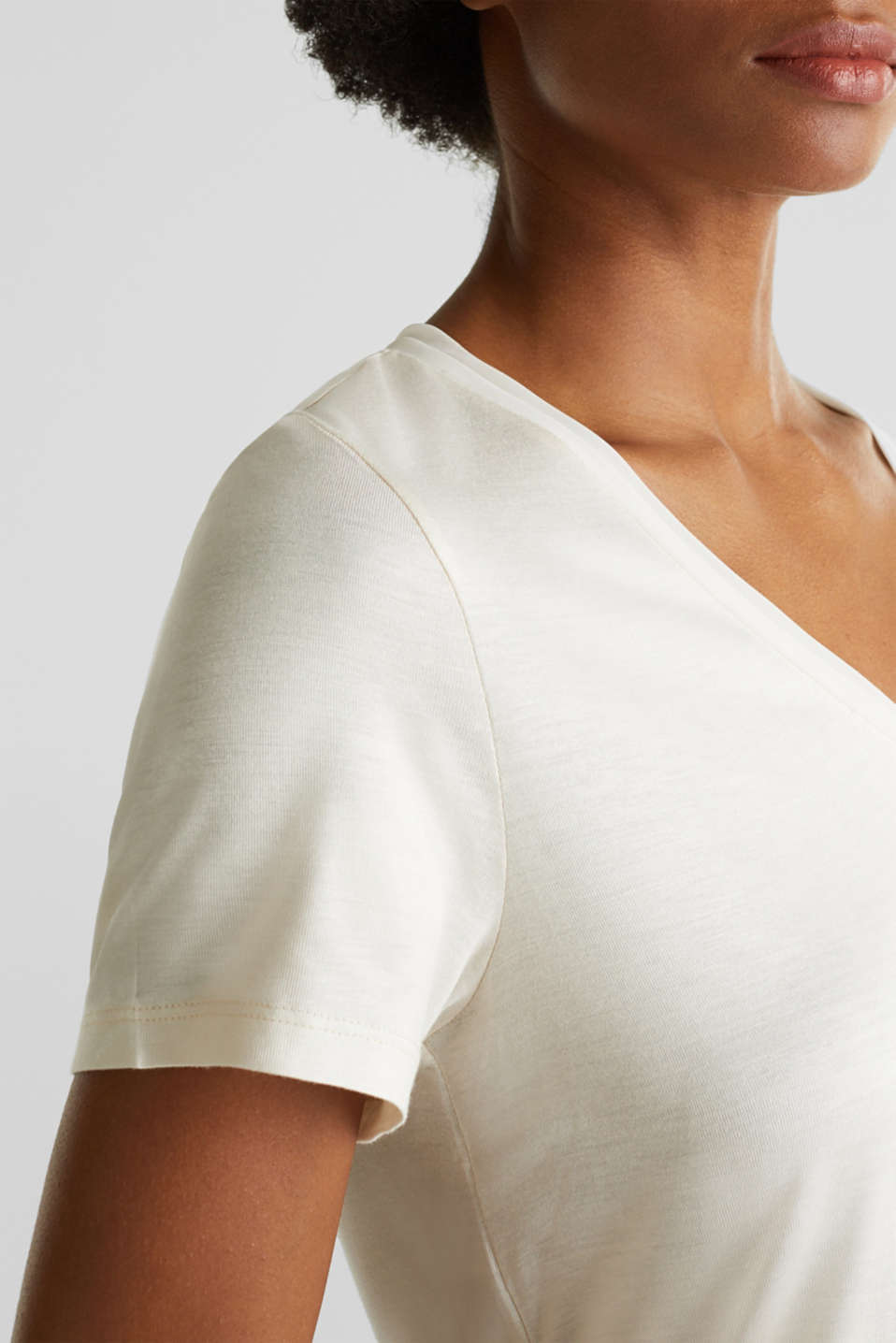 V-neck top with chiffon trims, SAND, detail image number 2