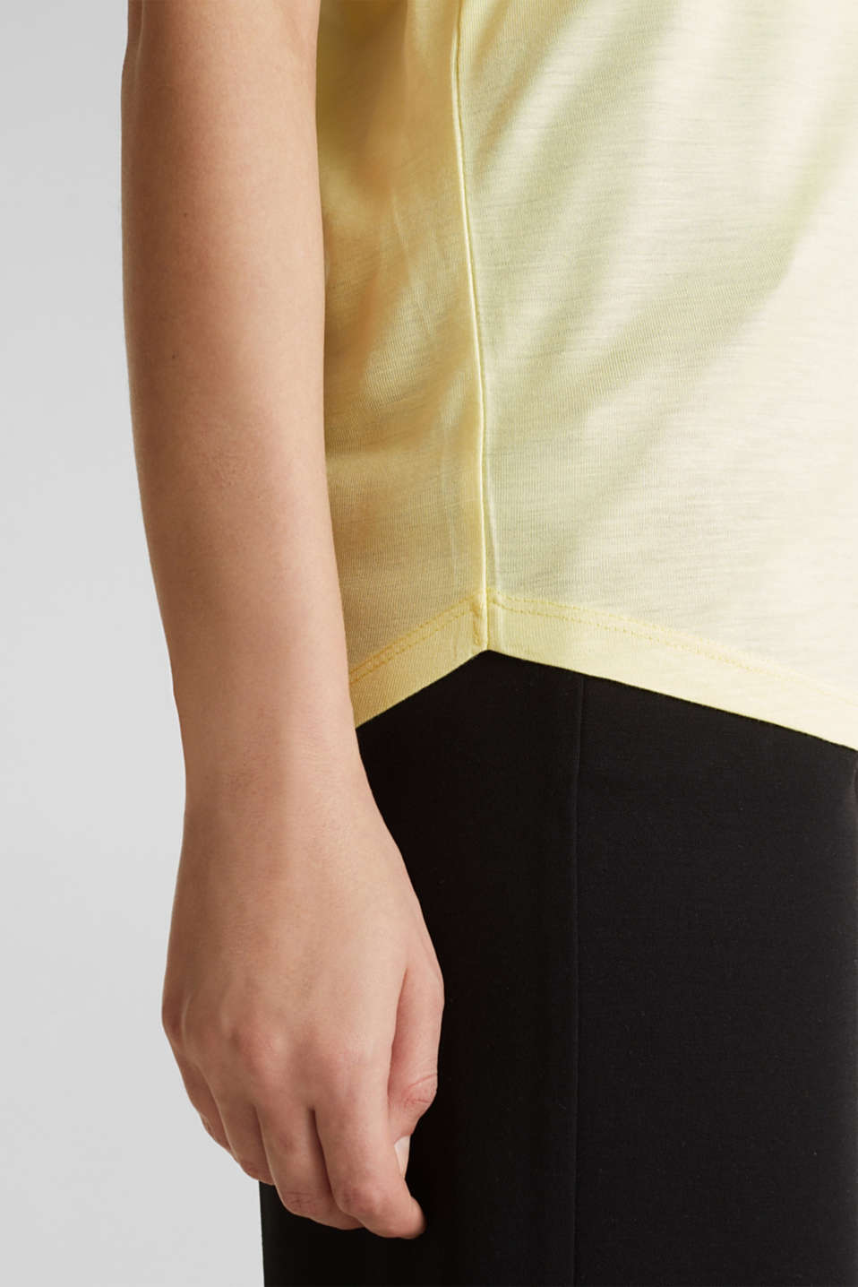 V-neck top with chiffon trims, LIME YELLOW, detail image number 5