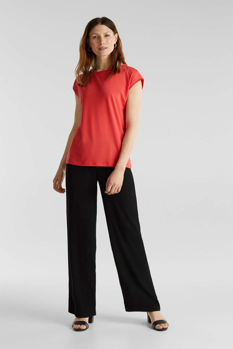 Basic top with satin trim, CORAL RED, detail image number 1