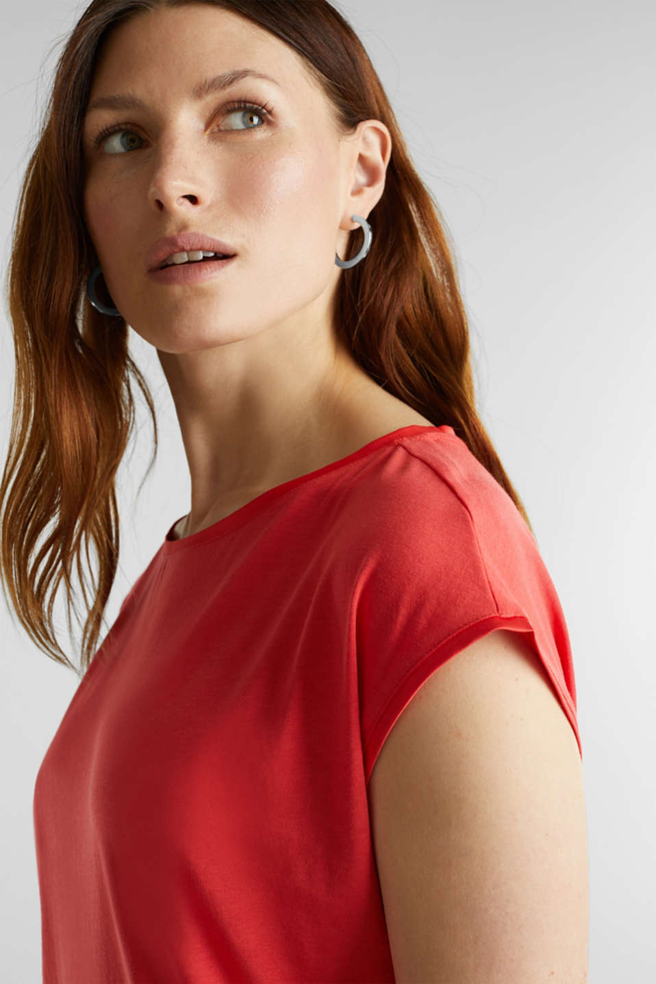 Basic top with satin trim, CORAL RED, detail image number 5