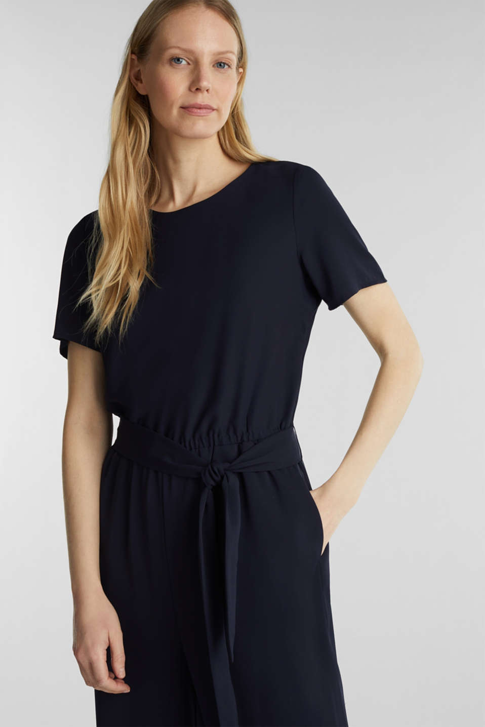 Crêpe jumpsuit with culottes, NAVY, detail image number 5