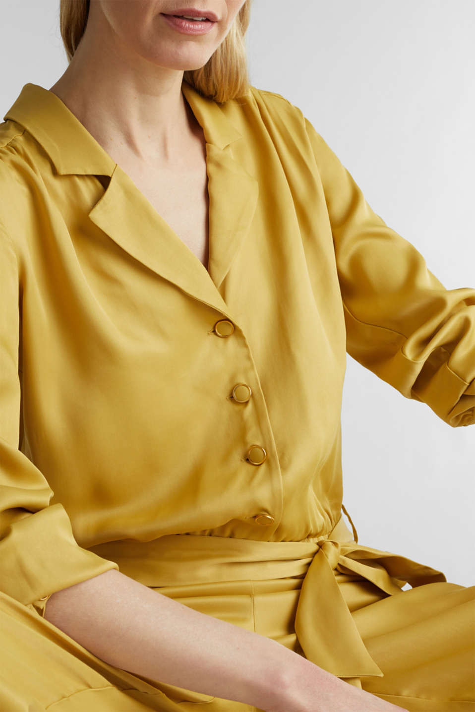 Satin jumpsuit with a lapel collar, DUSTY YELLOW, detail image number 5