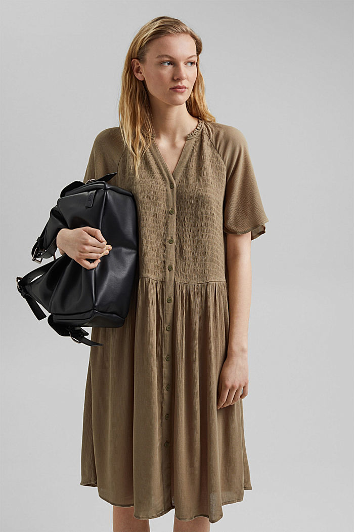 Blusen-Kleid mit Smok, LENZING™ ECOVERO™, LIGHT KHAKI, overview