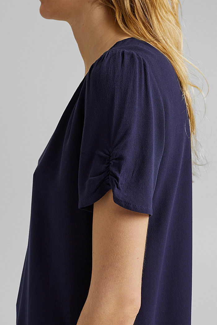Blouse top made of LENZING™ ECOVERO™, NAVY, detail image number 2