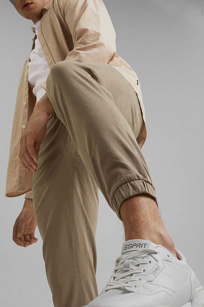 Jogg-Chino aus Organic Cotton
