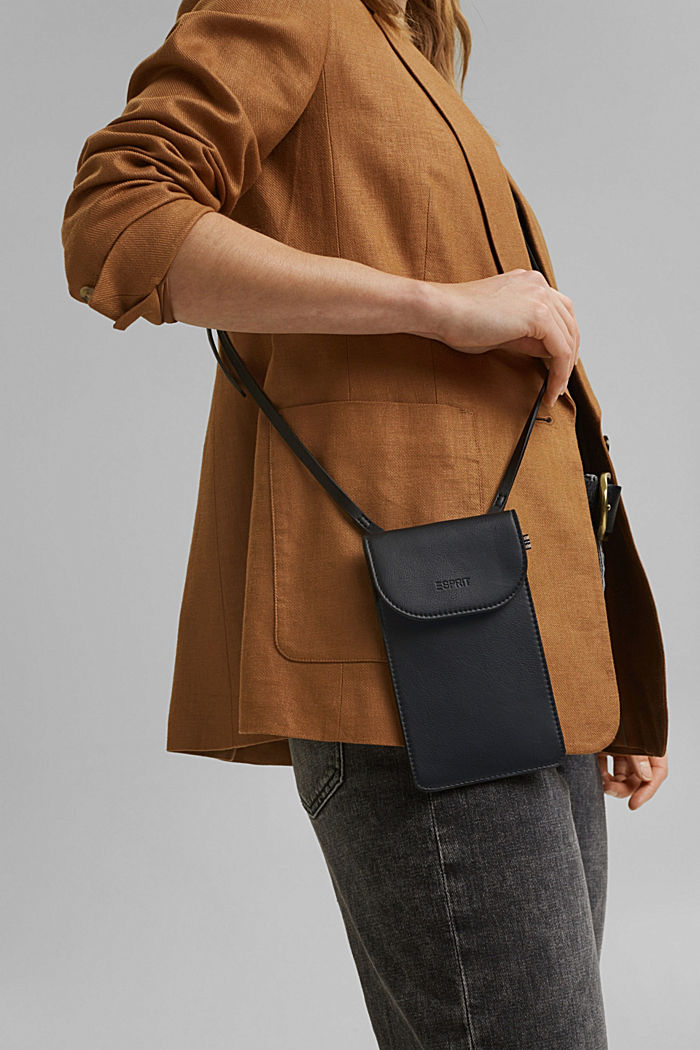Vegan: Smartphone-Tasche in Lederoptik, BLACK, detail image number 4