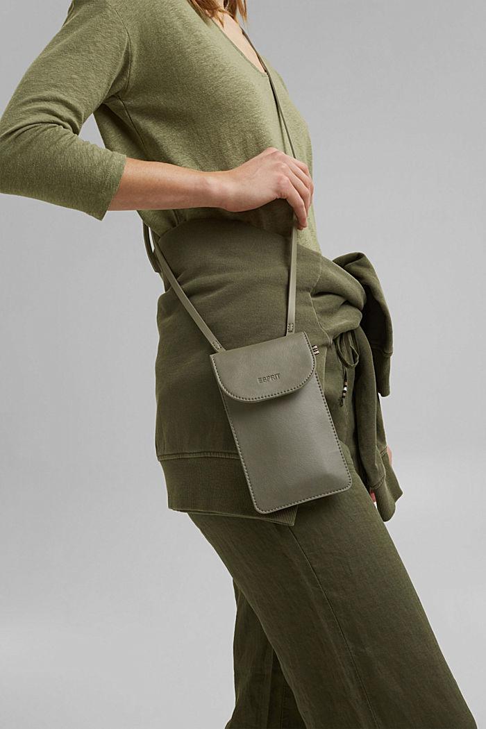 Vegan: Smartphone-Tasche in Lederoptik, OLIVE, detail image number 4