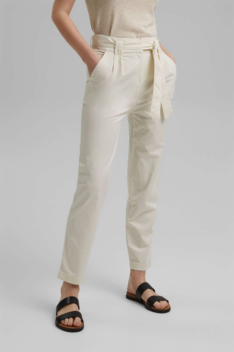 Esprit - Paperbag trousers with added stretch and a belt
