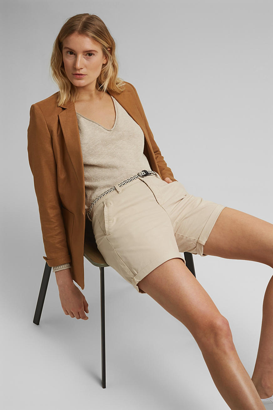 Stretch shorts with a woven belt