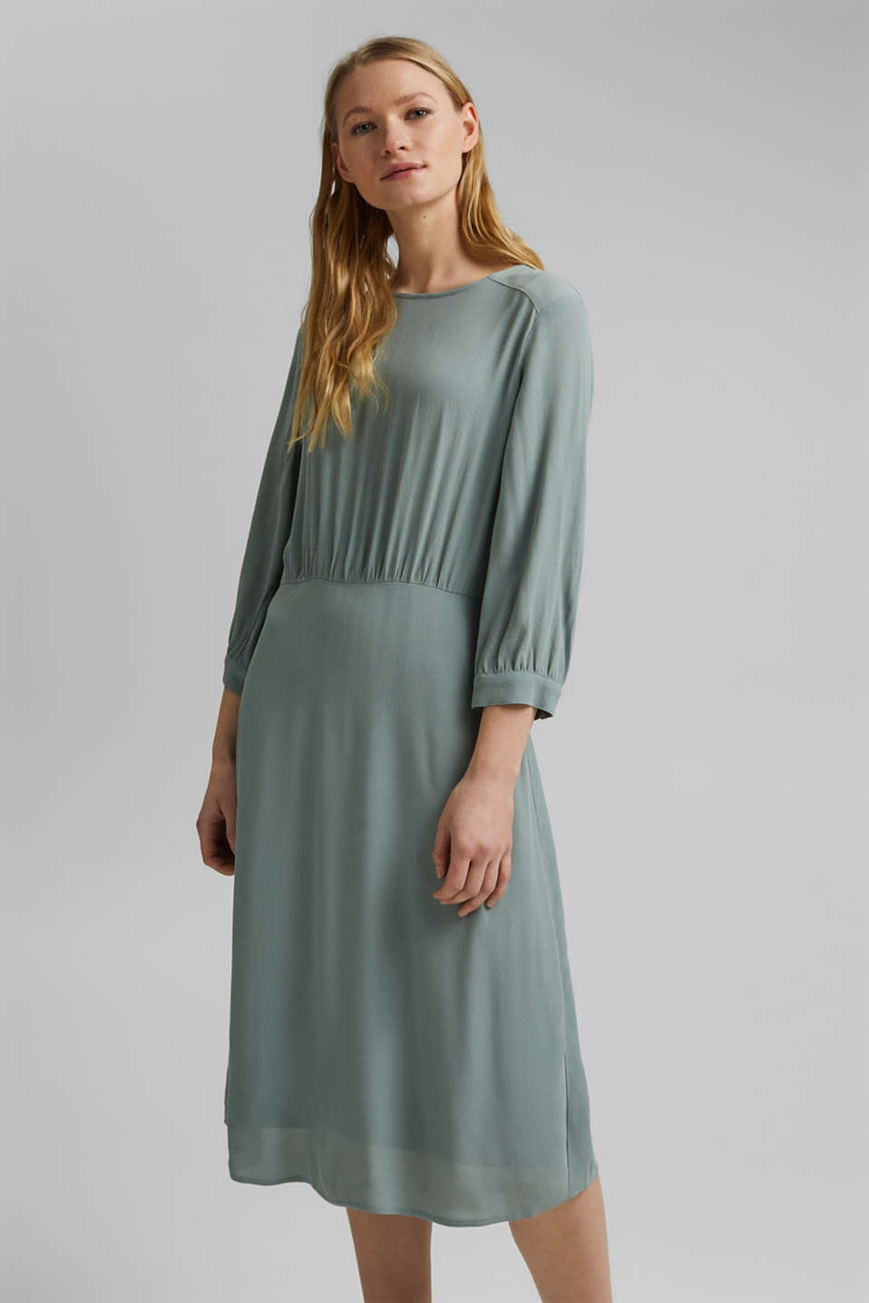Esprit - Crêpe midi dress containing LENZING™ ECOVERO™