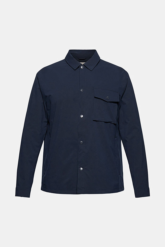 On the move: atmungsaktives Overshirt