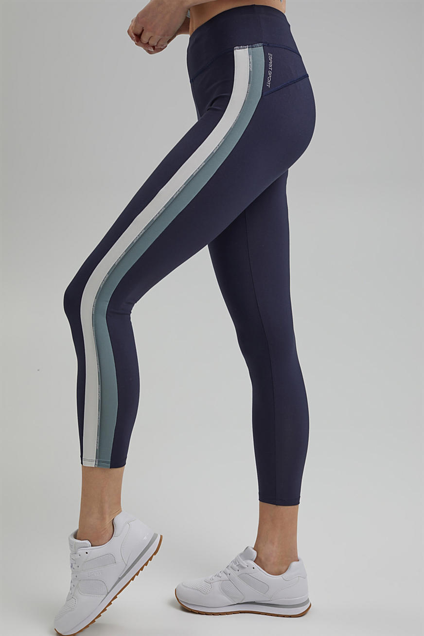 Recycled: high-performance leggings with an E-DRY finish