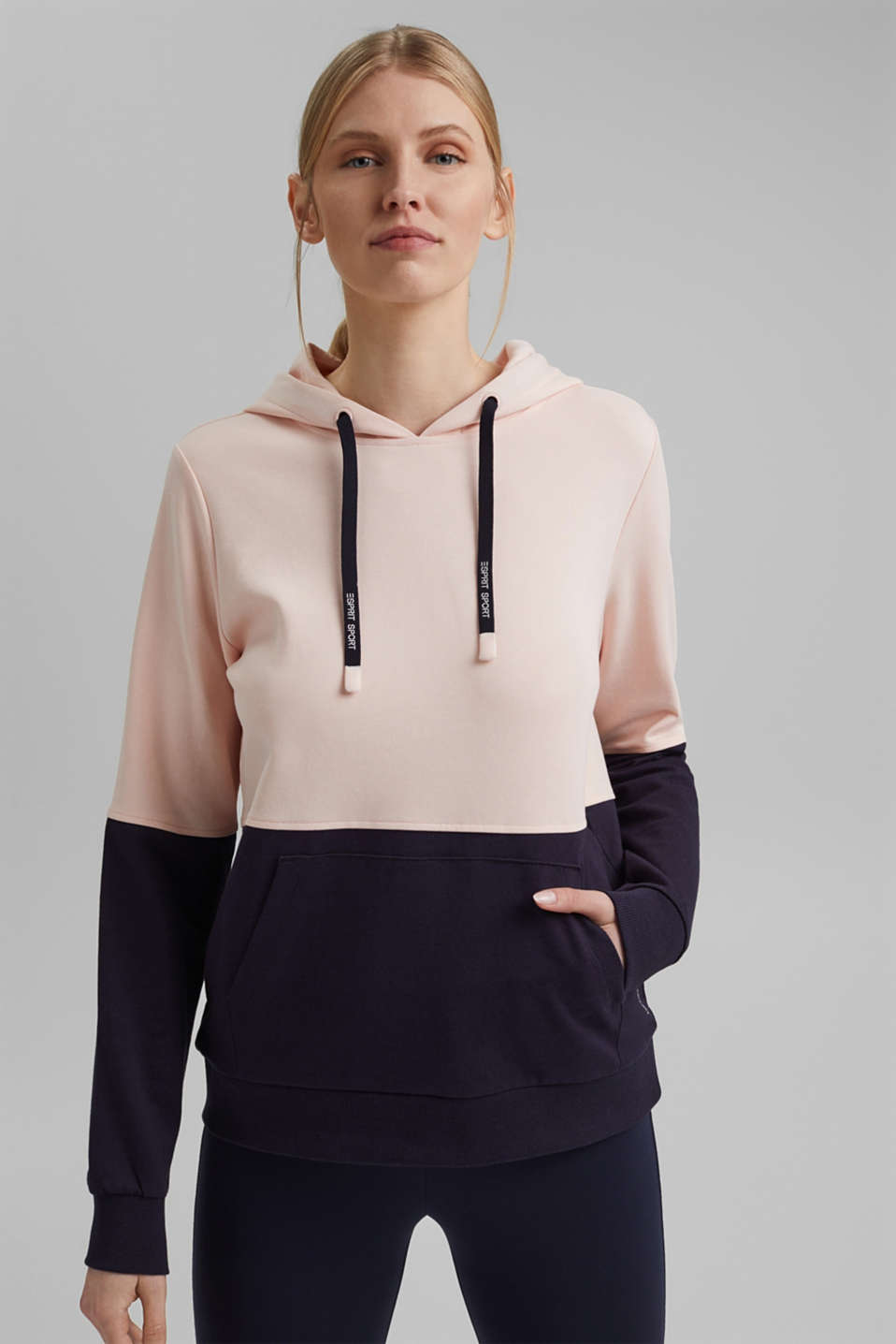 Esprit - Colour block hoodie with organic cotton