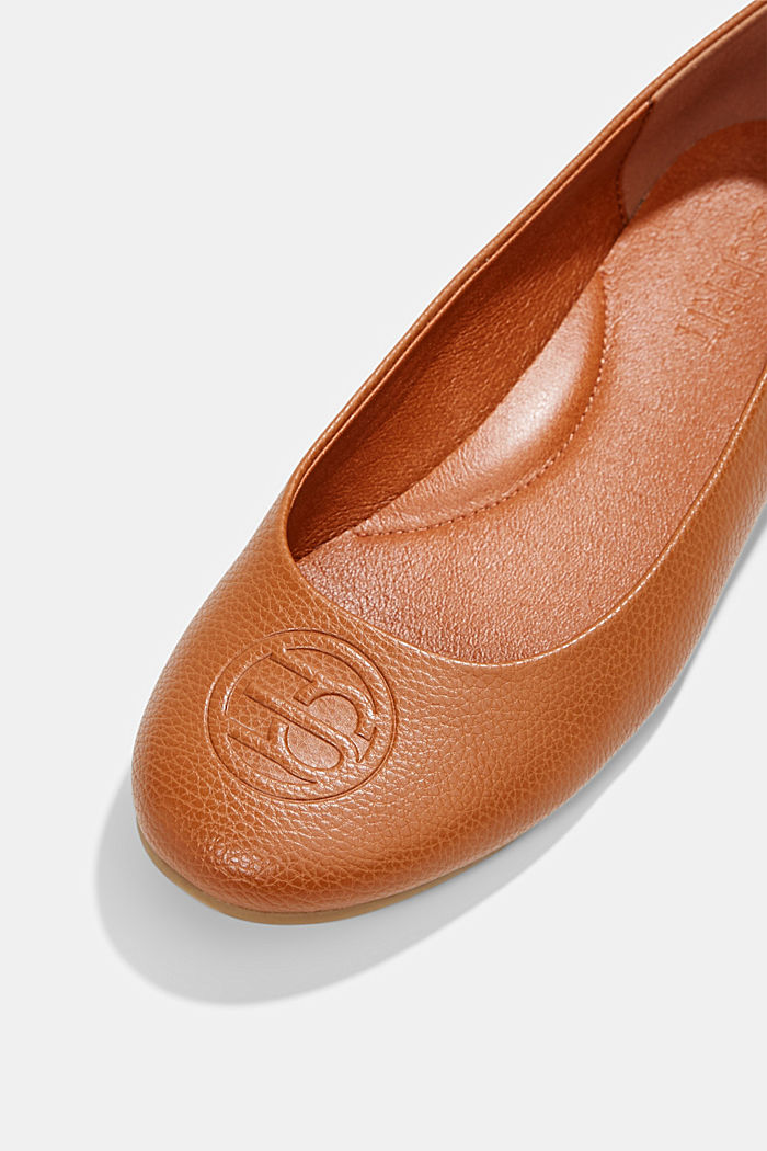 Ballerinas with a monogram in faux leather, CARAMEL, detail image number 3