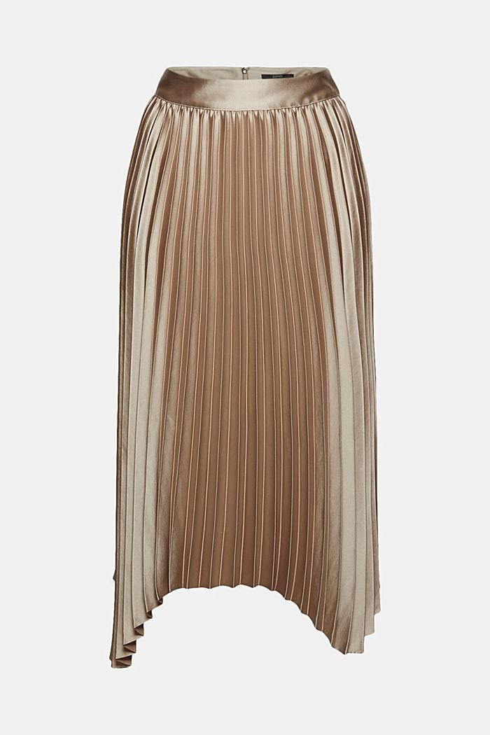 Pleated skirt with a handkerchief hem