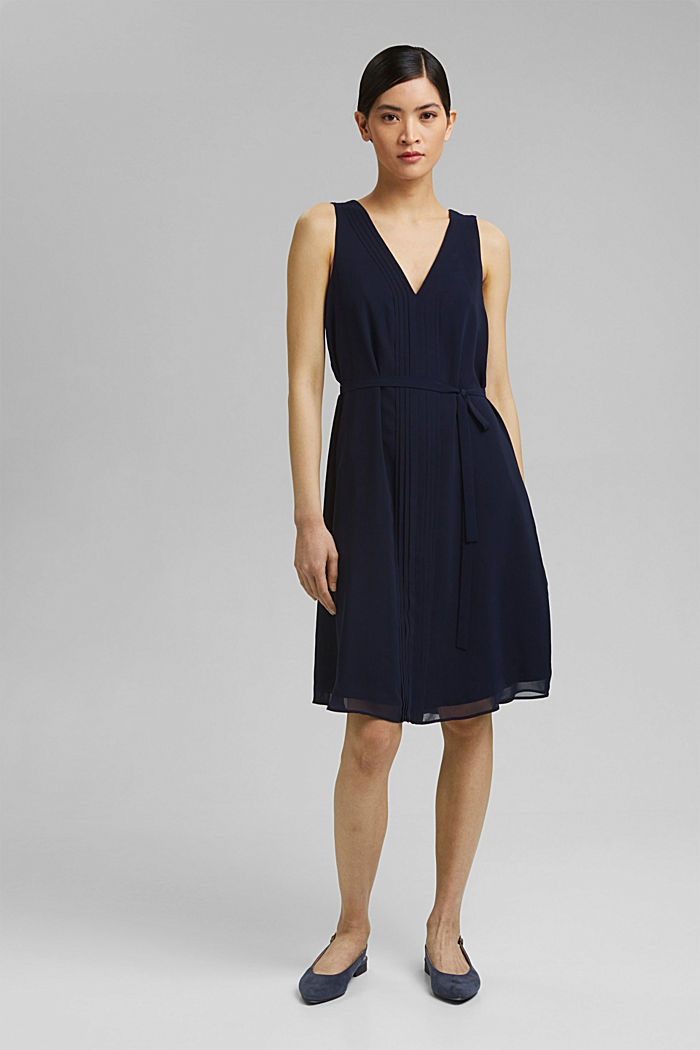 Chiffon dress with pintucks and a belt, NAVY, detail image number 1