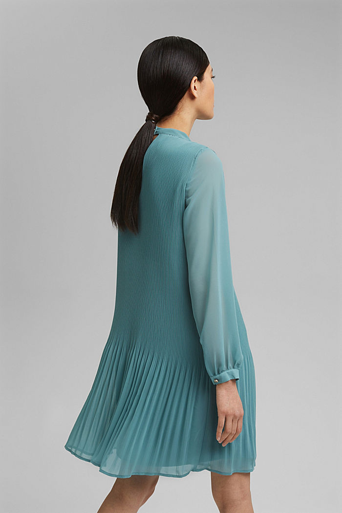 Recycelt: plissiertes Kleid aus Crêpe-Chiffon, DARK TURQUOISE, detail image number 2