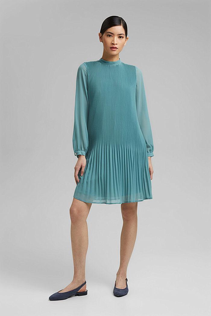 Recycelt: plissiertes Kleid aus Crêpe-Chiffon, DARK TURQUOISE, detail image number 1