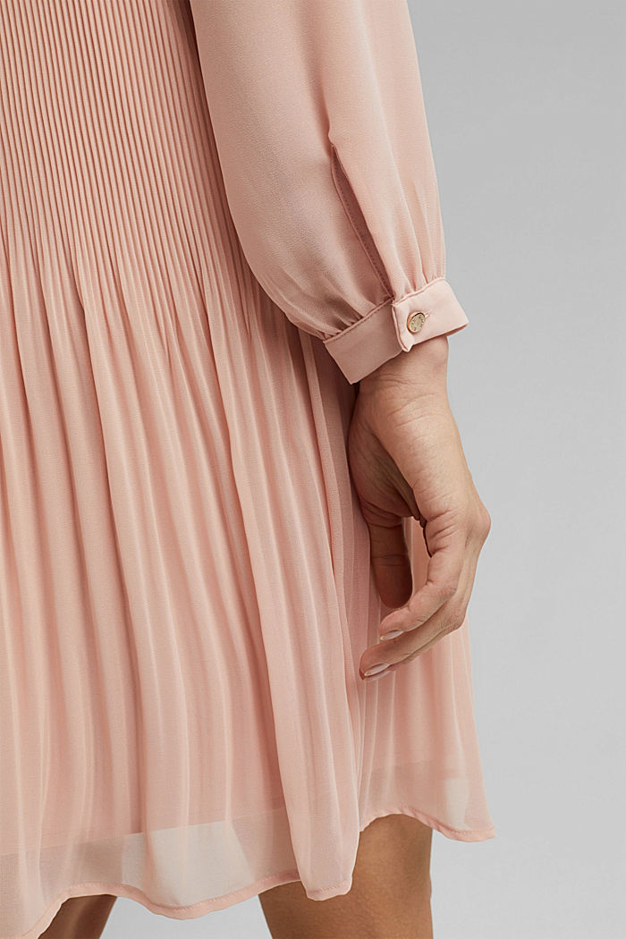Recycled: pleated dress made of crêpe chiffon, NUDE, detail image number 5