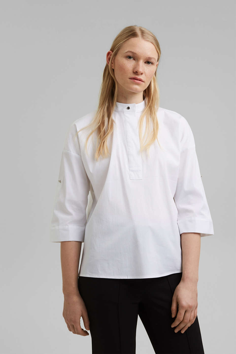 Esprit - Blouse with a buttoned stand-up collar