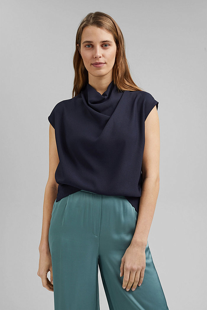 Waterfall blouse made of crêpe