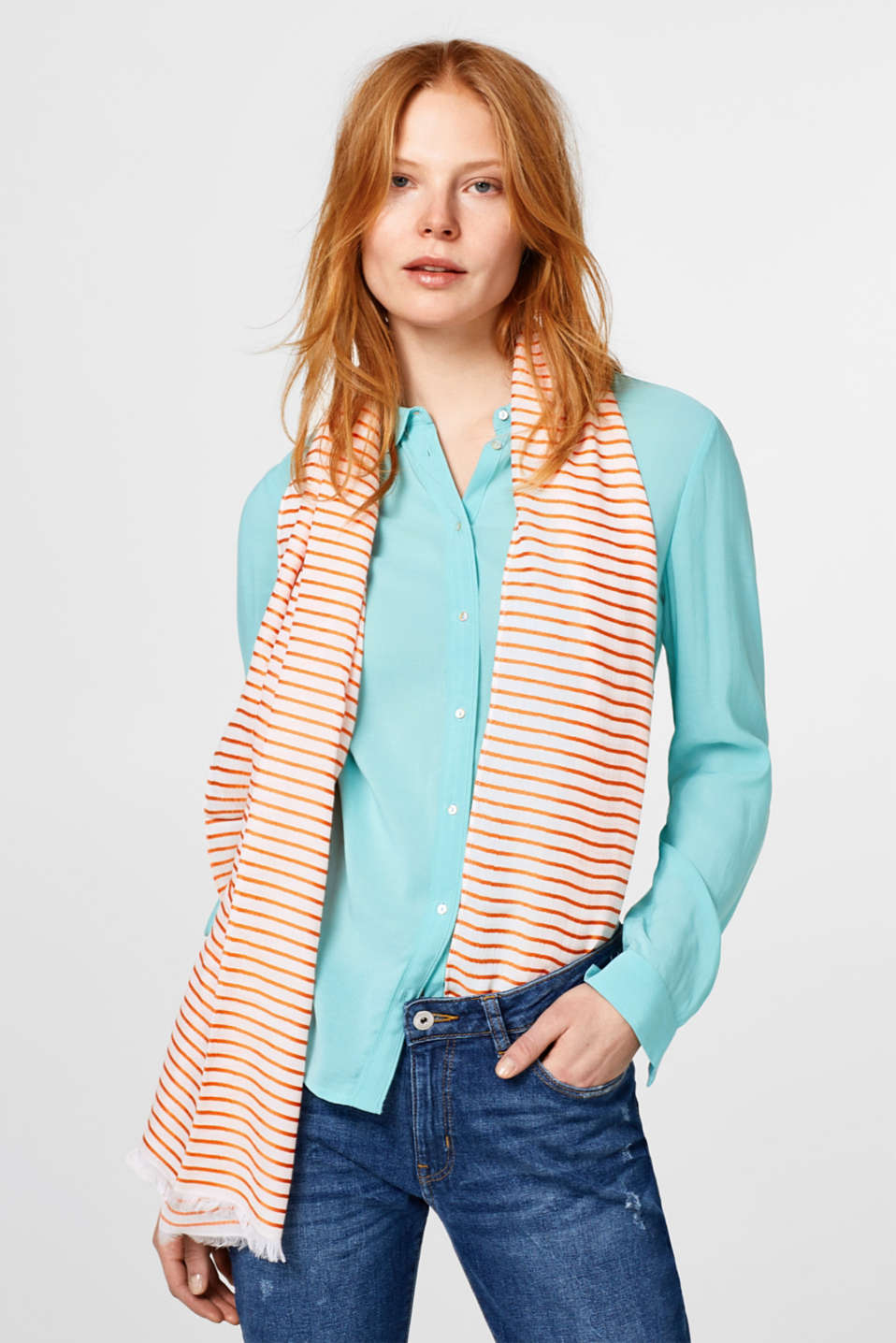 Flowing woven scarf with stripes