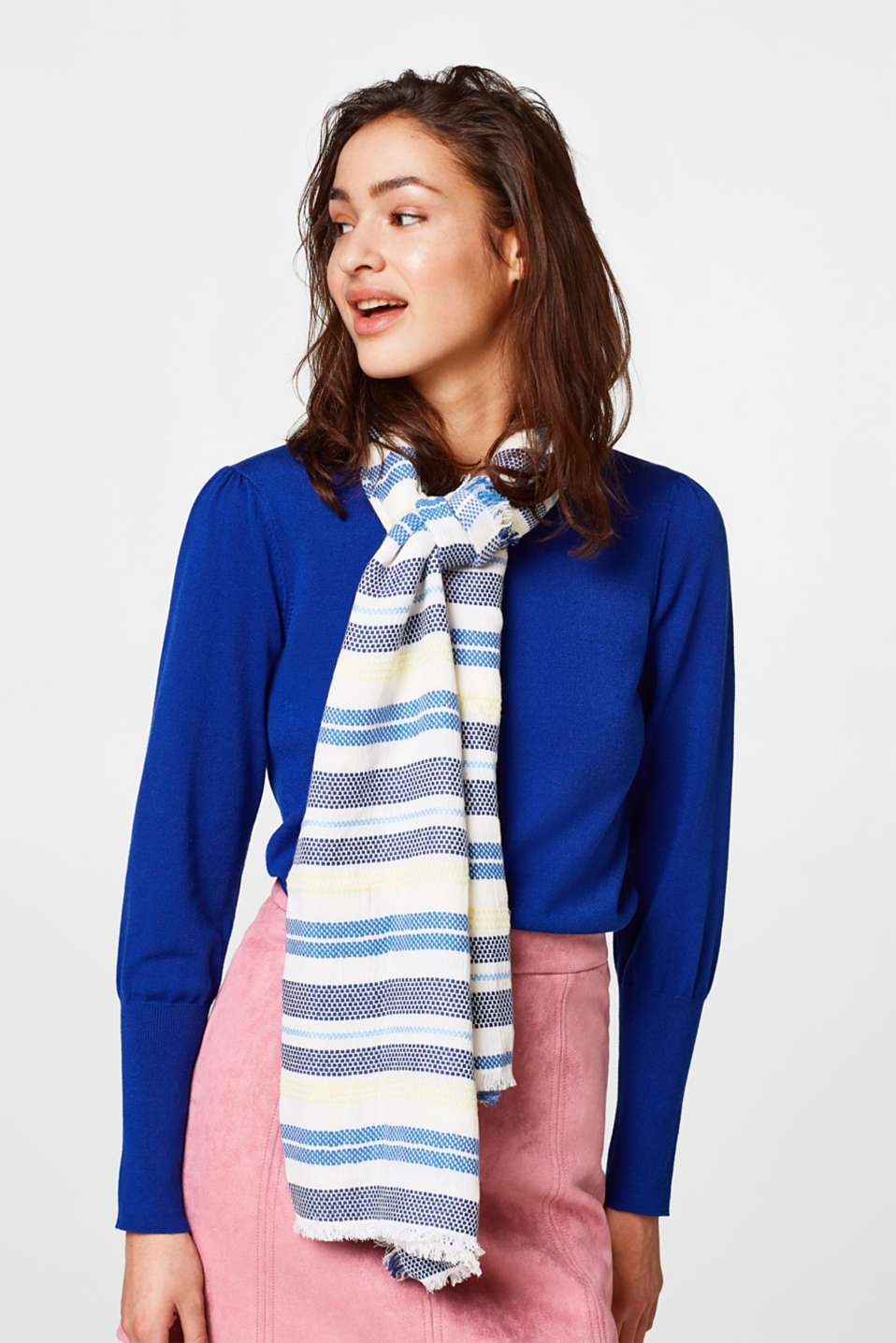 Light scarf with textured stripes