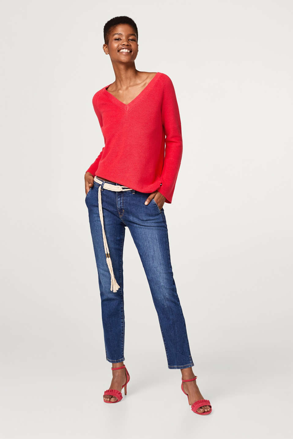 Stretch jeans with a tie-around belt
