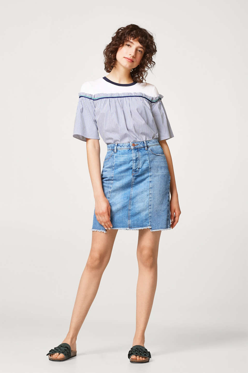 Casual denim skirt in 100% cotton