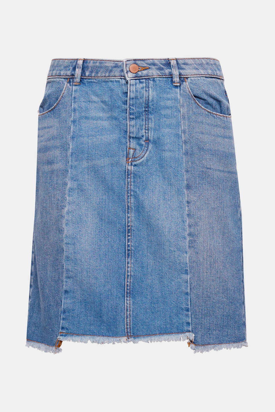 This high-waisted denim mini skirt with shaping dividing seams and a frayed hem edge is an indispensable fashion essential.