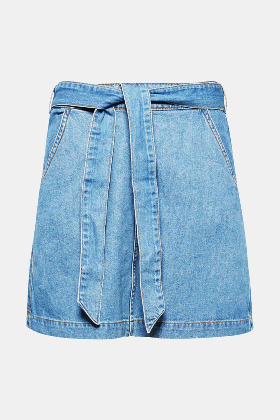 With its wide bow belt, this denim skirt with sustainable organic cotton is a style hit.