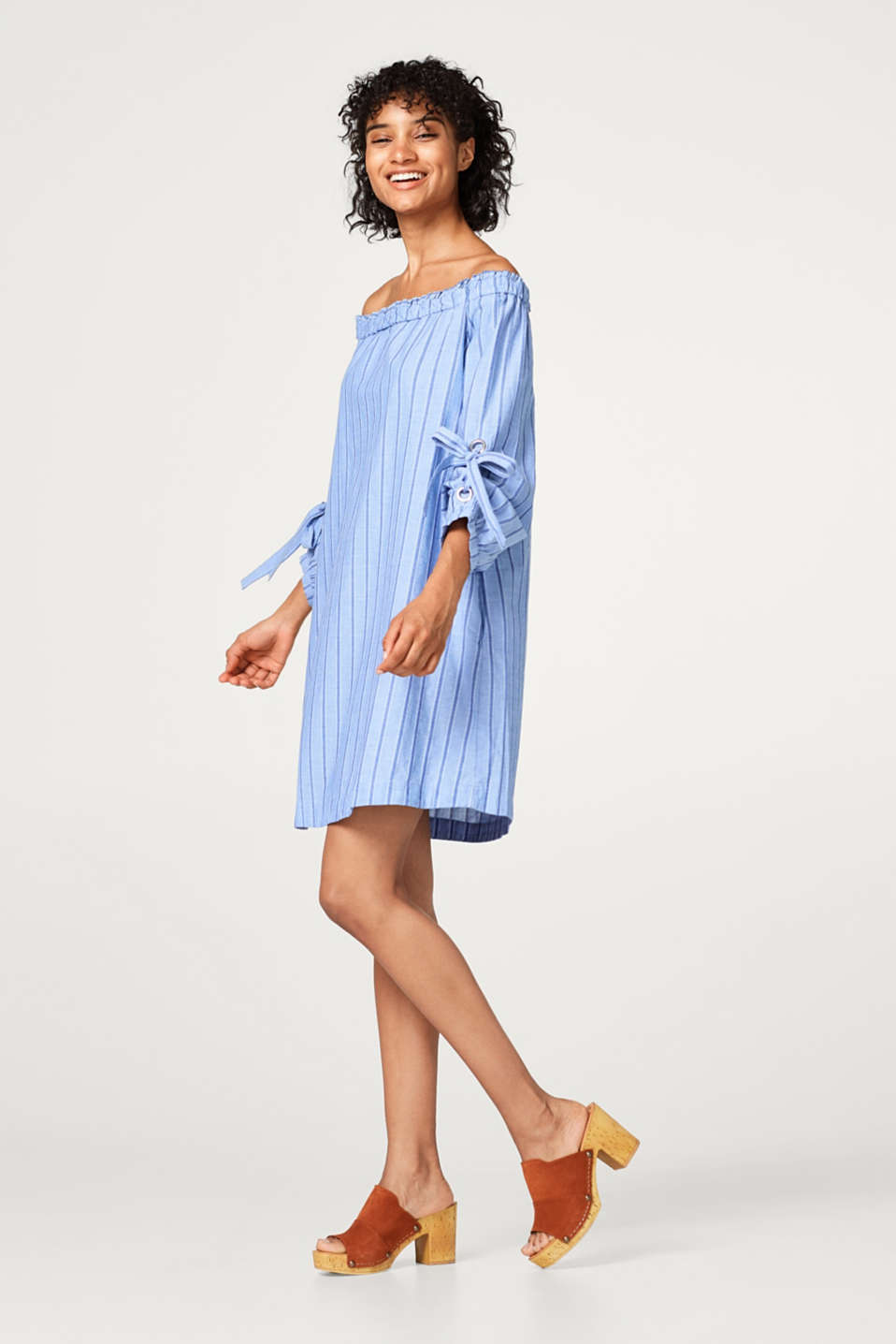 Off-the-shoulder dress in organic cotton