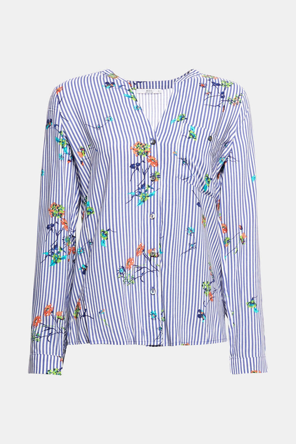 This fine blouse with a super fresh mixed pattern consisting of stripes and romantic flowers is the perfect choice for your spring look.