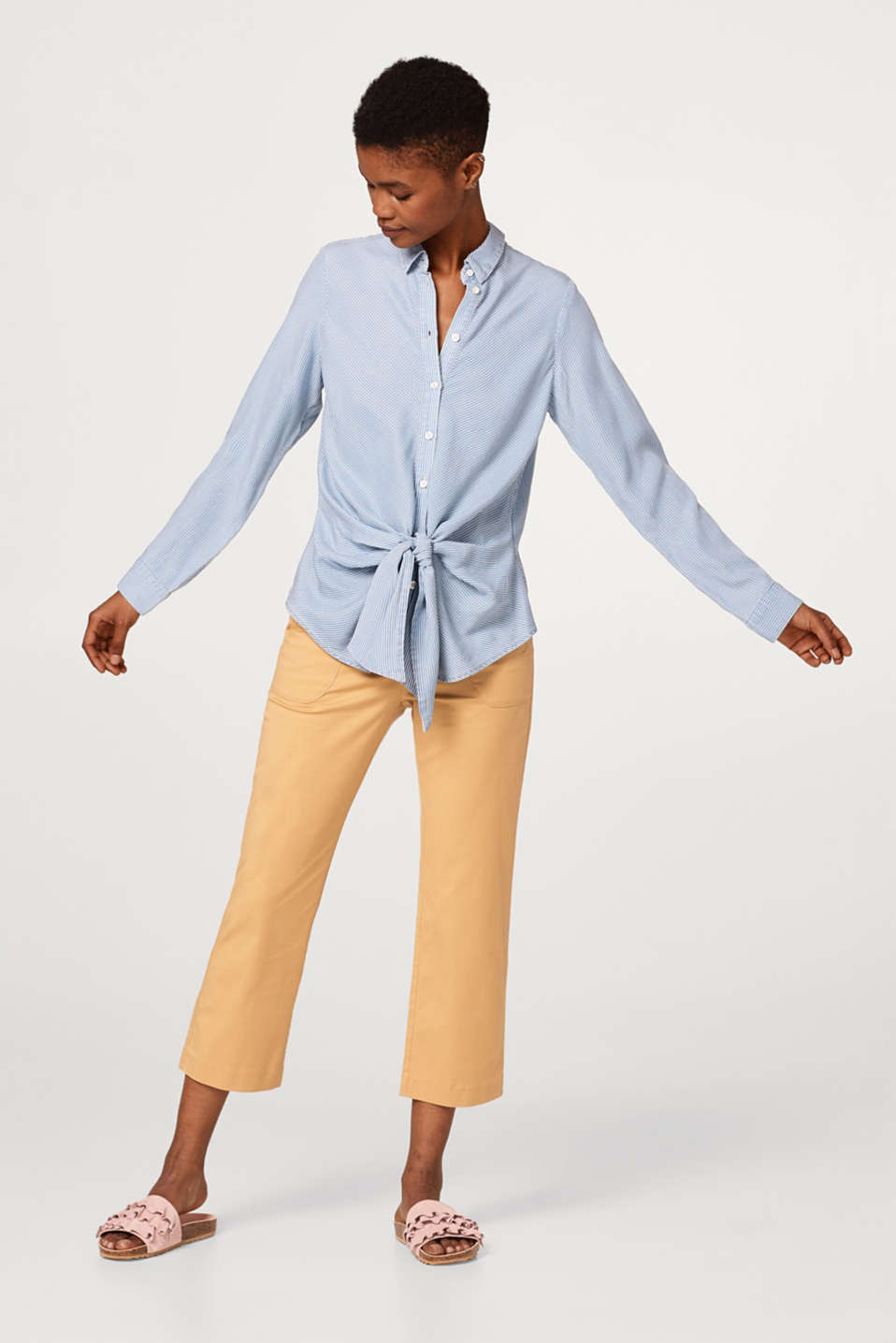 Lightweight striped blouse with a knot at the front