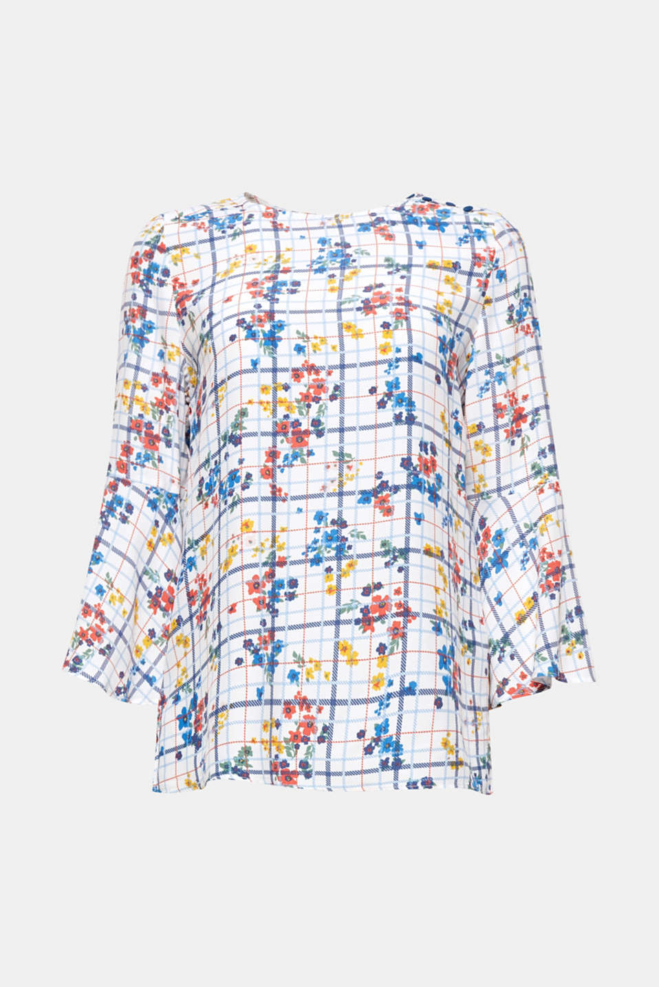 Favourite blouse: This loosely figure-skimming model made of fine viscose stands out thanks to its fresh summer all-over pattern.