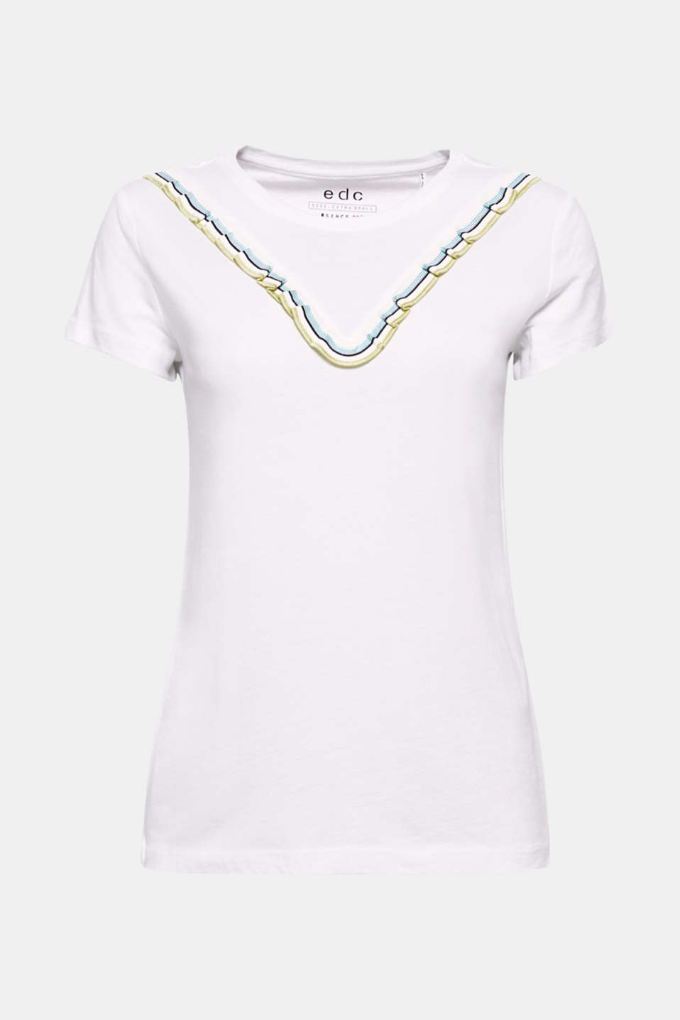 Pretty and feminine! This t-shirt impresses with its colourful, feminine frill detail over the bust.