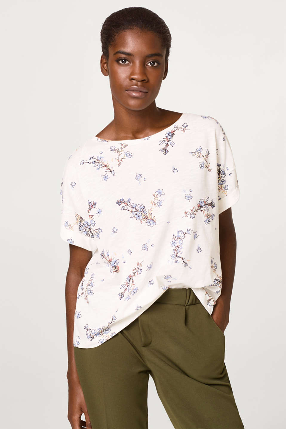 edc - Boxy T-shirt with a floral print, 100% cotton