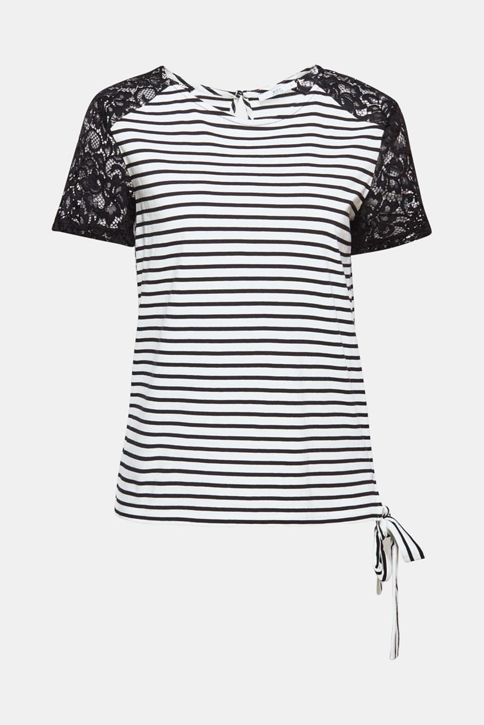 Nautical stripes meet elegant, floral lace: the mix of jersey and lace and the decorative hem trims give this T-shirt its special look.