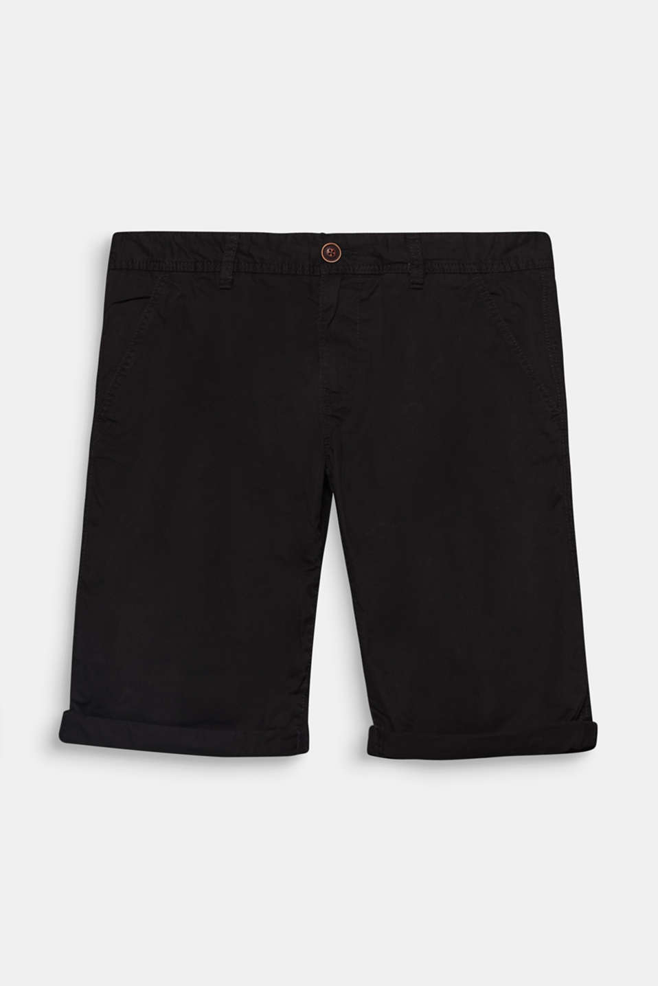 A summer classic: chino shorts. The timeless design is open to lots of different styling ideas.