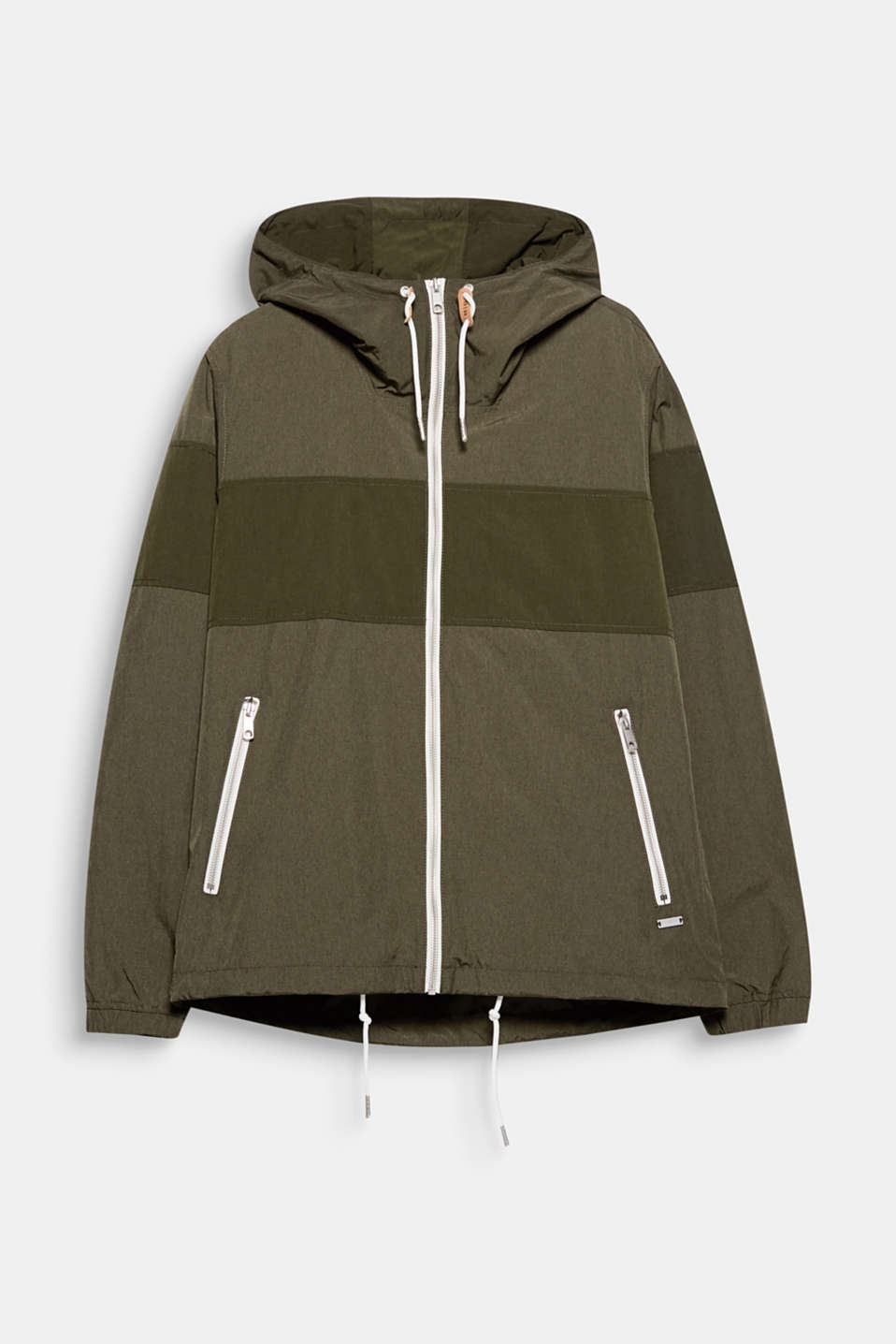 An essential outwear piece that should not be missing from any wardrobe: sporty light jacket with a hood.