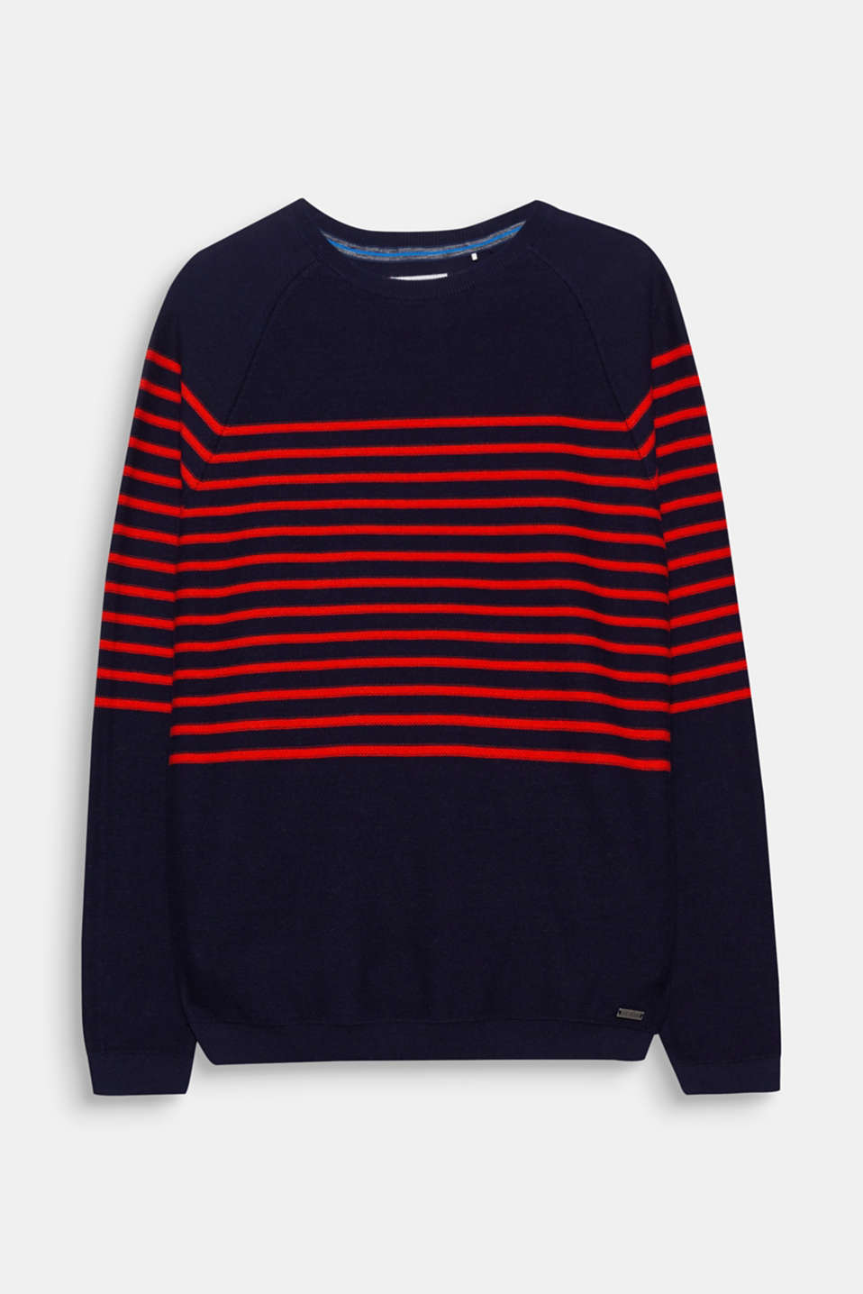 We love knitwear! The distinctive striped look makes this knitted jumper a casual style favourite.