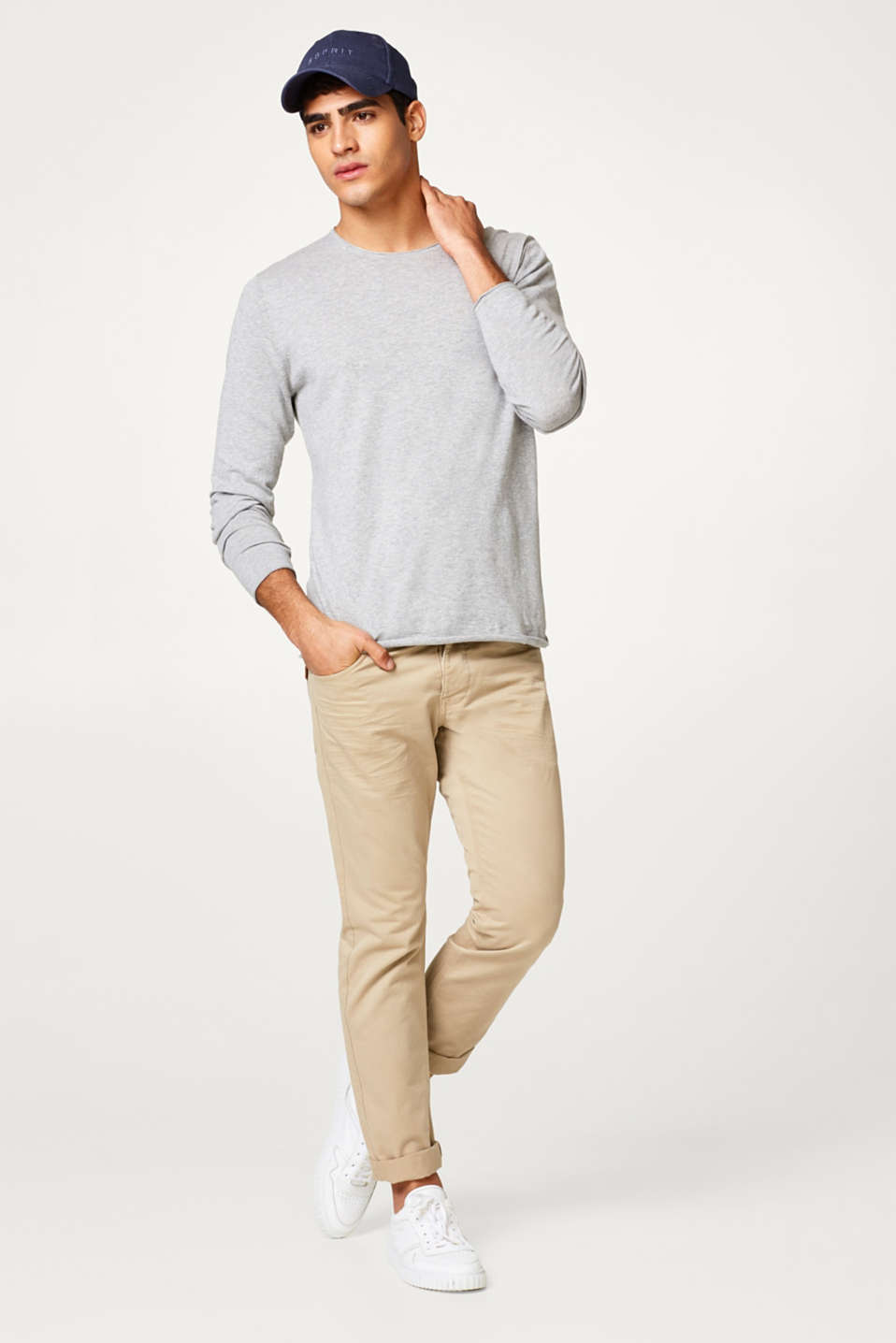 light wight c-neck sweater