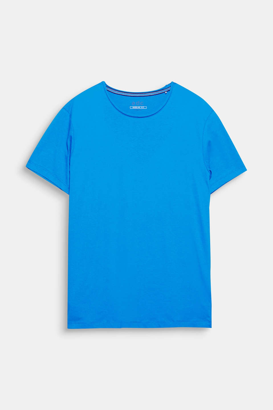 A casual basic style for your look! This T-shirt with a round neckline impresses with its numerous, fashionable colours.